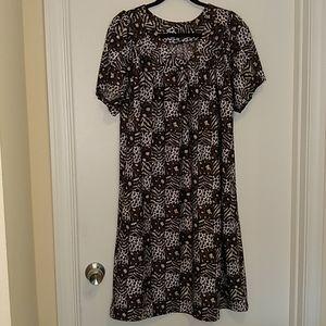 Animal print short sleeve house dress with pockets